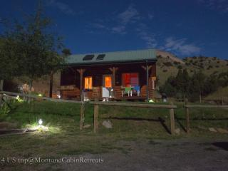 Montana Cabin Retreat in Beautiful ParadiseValley - Emigrant vacation rentals