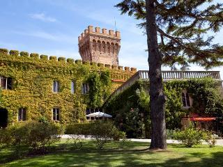 Perfect 10 bedroom Villa in Campiglia Marittima with Dishwasher - Campiglia Marittima vacation rentals