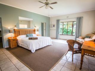 Spacious 5 bedroom Mtunzini Lodge with Internet Access - Mtunzini vacation rentals
