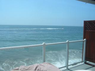 Malibu ocean front apartment on the sand - Malibu vacation rentals