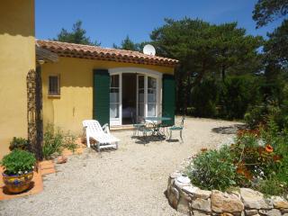 studio dans un mas provençal avec cuisine séparée - Tourtour vacation rentals