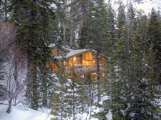 Bear Creek Retreat - Large Pet-Friendly 4 BR Home - 3rd NT 50% off in MARCH! - Lake Tahoe vacation rentals