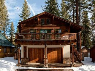 Agatam Retreat - Hot Tub, Fireplace & Gourmet Kitchen - Easy Walk to Beach!! - Tahoe Vista vacation rentals