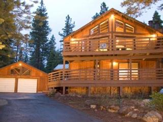 Kingswood - Affordable, 3BR Backing to Forest, w/ Hot Tub, Dogs OK - $250/nt - Kings Beach vacation rentals