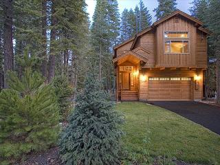 BLISS -Beautiful West Shore 3 BR Sleeps 9, Hot Tub - Off season rates! - Tahoma vacation rentals