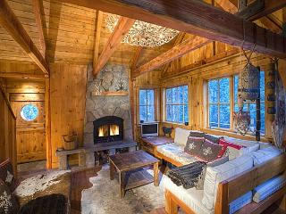 Sunnyside Cottage - Romantic, Pet-friendly w/ Hot Tub - A GUEST FAVORITE! - Tahoe City vacation rentals