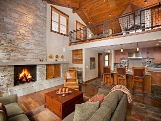 Trailside - Ski-in/out Mid-Mountain 4 BR w/ Hot Tub - Call for NEW Discounts! - Truckee vacation rentals