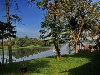 Pearl Spot, a quiet river side escape . - Aluva vacation rentals