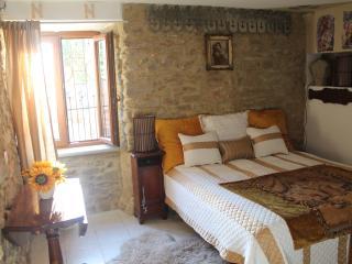 Newly Restored 1br Apt.sleeps 4 In a Old Farmhouse - Pergo di Cortona vacation rentals