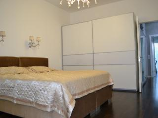 Luxury Vacation Flat with 3 rooms at Potsdamer in Berlin - Berlin vacation rentals