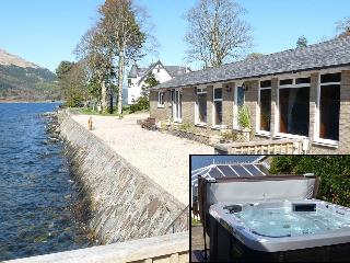 The Bungalow, Ardmay, Arrochar, Outdoor Hot Tub - Loch Lomond and The Trossachs National Park vacation rentals