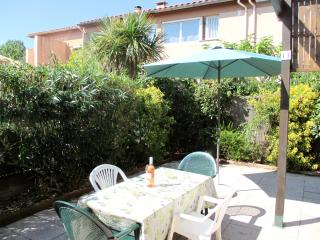 Gated Residence Home, Big Patio, by Beach, Village - Argeles-sur-Mer vacation rentals