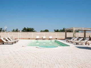 Nearco apartment in ancient masseria with pool - Polignano a Mare vacation rentals