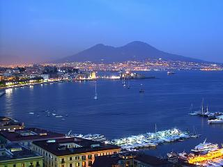 apt sea view - center - wifi - Naples vacation rentals