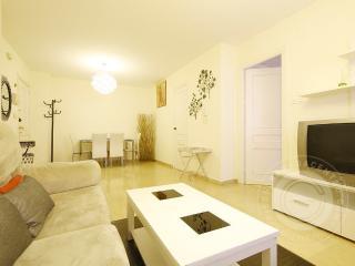 Apartamento Ganivet C/ Andorra - Granada vacation rentals