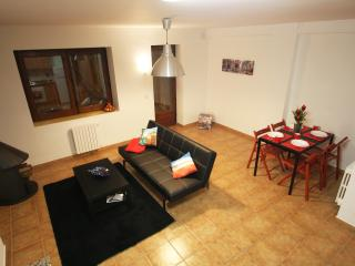 Apartment in Soldeu with tarrace, next to slopes - Soldeu vacation rentals