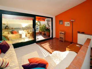 Nice Townhouse with Television and Water Views in San Pol de Mar - San Pol de Mar vacation rentals