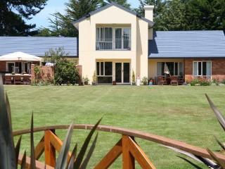 the meadows Villa christchurch - Christchurch vacation rentals
