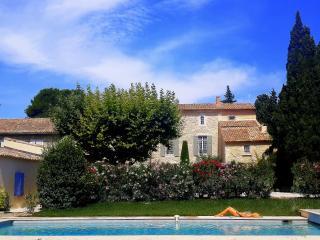 La Choisity - Chambres d'Hôtes de charme - Avignon - Aramon vacation rentals