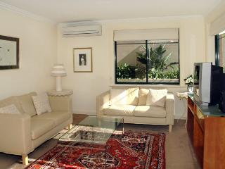 SINCL- Lovely garden apartment - Cammeray vacation rentals