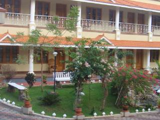 Lovely 14 bedroom Bed and Breakfast in Varkala - Varkala vacation rentals