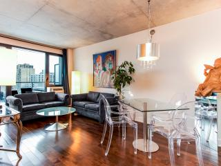 LUXURY CORPORATE 2 BDRM CONDO 4141/32571 - Montreal vacation rentals