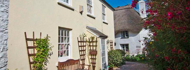 Spacious 4 bedroom Malborough Cottage with Internet Access - Malborough vacation rentals