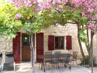 Nice Gite with Internet Access and Microwave - Tarascon vacation rentals