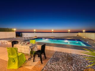 4 bedroom Villa with Internet Access in Apolakkia - Apolakkia vacation rentals