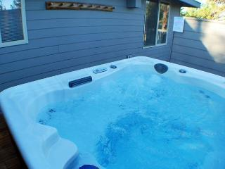 Newly Updated Home, 2 Master Suites, 10 Unlimited SHARC Passes - Central Oregon vacation rentals