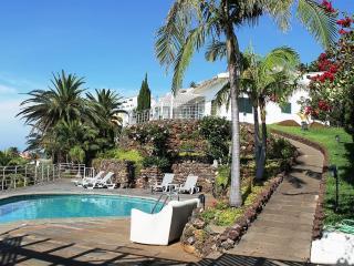 Villa Da Falésia - Splendid Views + Swimming Pool - Canico vacation rentals
