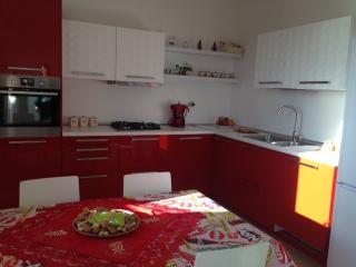 Graziosissima Casa completa di tutti i confort - Sinnai vacation rentals