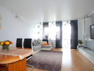 ID 5448 | 3 room apartment | WiFi | Hannover - Hannover vacation rentals