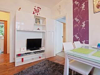 ID 5162 | 2 room apartment | WiFi | Hannover - Hannover vacation rentals
