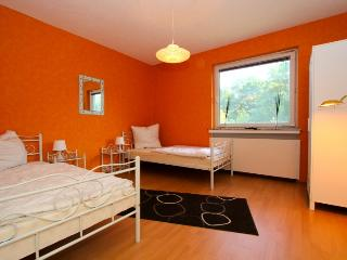 ID 4732 | 4 room apartment | WiFi | Laatzen - Laatzen vacation rentals