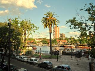 City Ap. in front of the river - Central Argentina vacation rentals