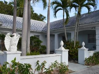 Executive/artist golf course home, 2 master suites - Loxahatchee vacation rentals