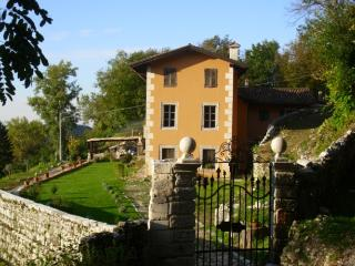 Sunny 6 bedroom House in Clauzetto with Satellite Or Cable TV - Clauzetto vacation rentals
