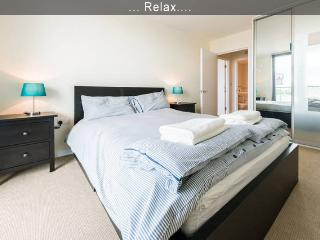 Olympic Park, Icona Point–1BR Apt - London vacation rentals
