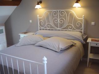 Romantic 1 bedroom Bed and Breakfast in Annoire - Annoire vacation rentals
