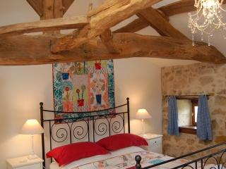 Comfortable 4 bedroom Saint-Vallier Gite with Internet Access - Saint-Vallier vacation rentals