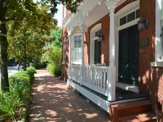 Dreamhouse on Tattnall SVR 00063 - Savannah vacation rentals