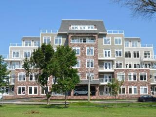2 bedroom Condo with Internet Access in Charlottetown - Charlottetown vacation rentals