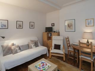 One bedroom   Paris Saint Germain des Pres district (375) - Paris vacation rentals
