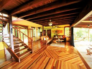 Casa Rio Sierpe, luxury  Hm, Boat & tours included - Drake Bay vacation rentals