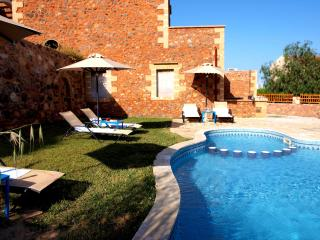 Villa Theodoros shared pool 10% OFF EARLY BOOKING - Astratigos vacation rentals