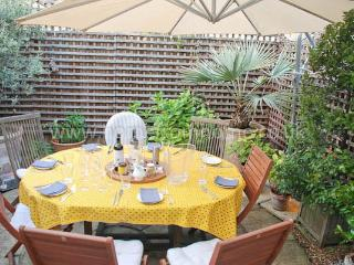 Spacious and stylish home with charming outdoor space- Fulham - Dorking vacation rentals