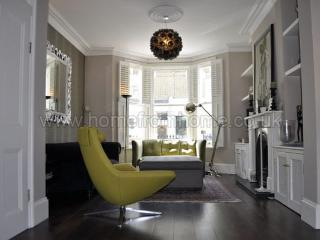 Beautifully presented four bedroom town house. - London vacation rentals