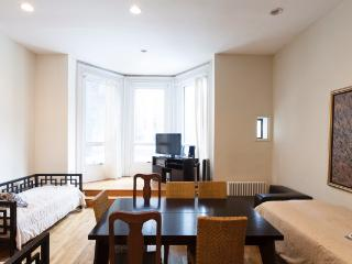 Stay off Park Avenue, in this 2 Bed 2 Bath - Manhattan vacation rentals