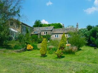 Stunning Yorkshire Cottage Sleeps 12 near Skipton - Skipton vacation rentals